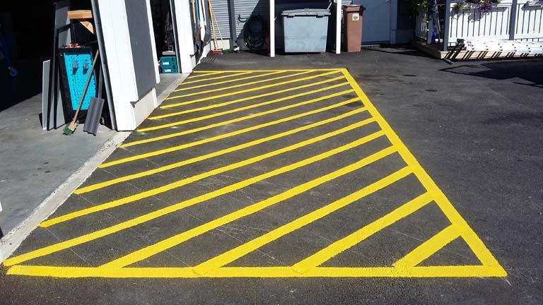 keltainen-asfalttimaalaus
